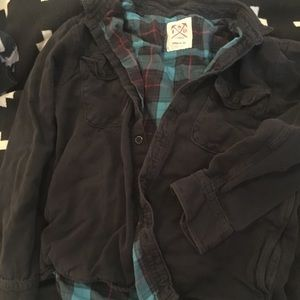 Levi's fully lined plaid and black button shirt